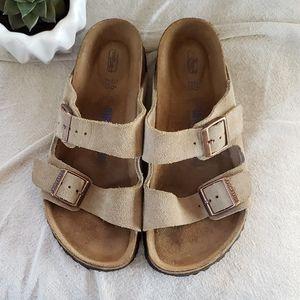 EUC Arizona 🌵 Suede Soft footbed Sandals 36